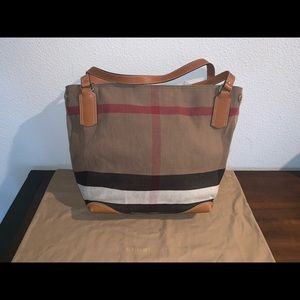 Burberry Bags - Authentic Burberry Brit grainy Heston Ashby tote